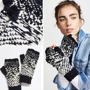 Free People Chunky Knit Gloves